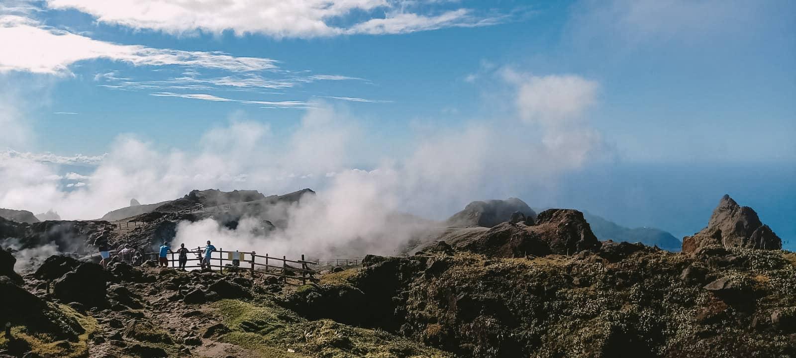 Fumerolles du volcan de la soufrière - Guadeloupe